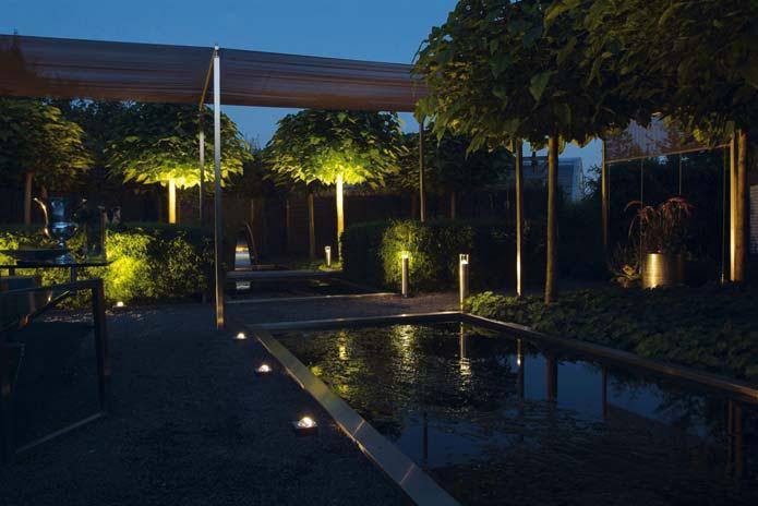 iluminación de jardines exteriores
